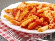 Рецепта Пене паста (макарони) с пикантен сос Арабиата от домати и люти чушки